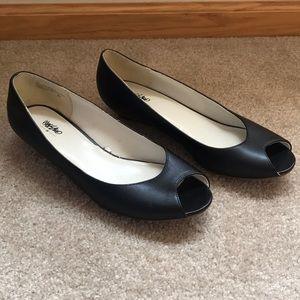 Mossimo black wedge peep toe shoes